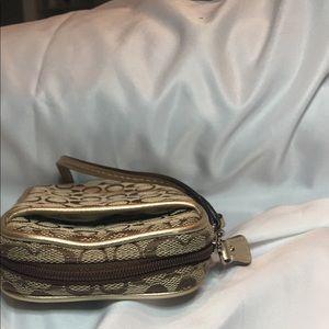 Coach Bags - Coach Universal Wristlet Wallet